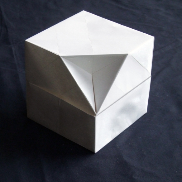 ORAGAMI-BOX-WITH-2-SHEETS-W&D-